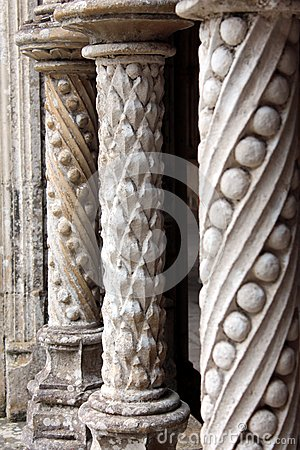 Free Gothic Stone Patterned Columns Architecture Royalty Free Stock Photos - 40509418
