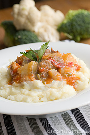 Goulash with mashed potatoes