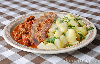 Goulash with new potatoes