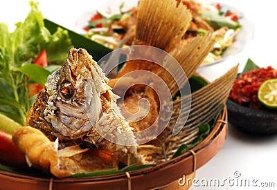 油煎的gourami膳食