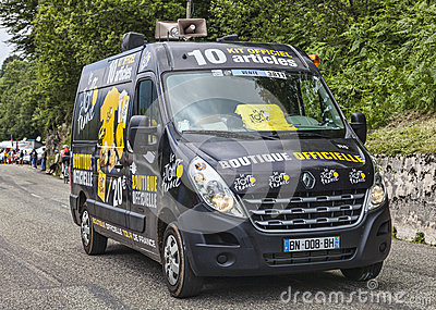Bewegliches offizielles Andenken-Geschäft von Le-Tour de France Redaktionelles Foto
