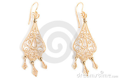 Graceful gold earrings