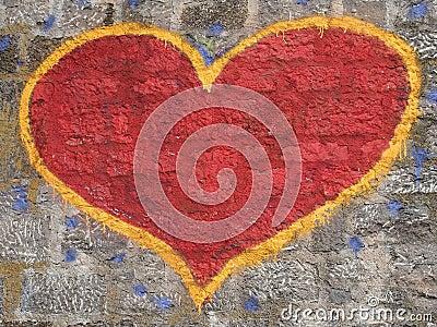 Grafitti heart on the wall