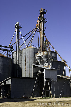 Grain bins latta