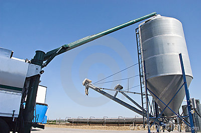 Grain Vac System, Farm Detail