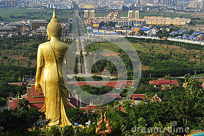 Gran estatua de Buda, Jinghong, China Imagen editorial