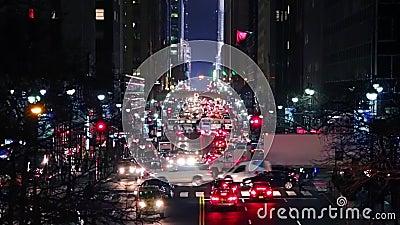 Gran tráfico nocturno en Nueva York Movimiento rápido almacen de video