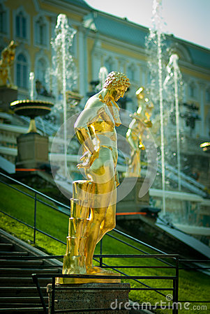Free Grand Cascade Fountains At Peterhof Palace Royalty Free Stock Images - 45338299