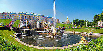 Grand Cascade of fountains at Peterhof