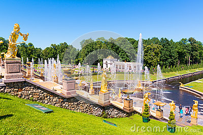 Grand Cascade in Perterhof Palace, Saint Petersburg Editorial Stock Image
