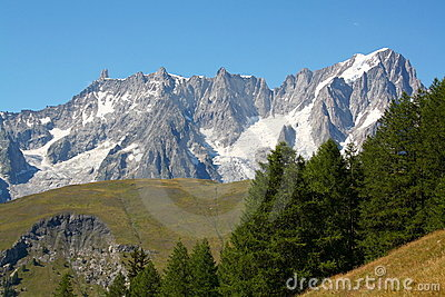 Grand Jorasses and Giant Tooth, mont blanc