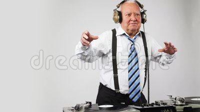 Grand-papa impressionnant DJ