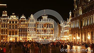 Grand Place Bruxelles Belgia główny plac na nocnym poklatce zbiory