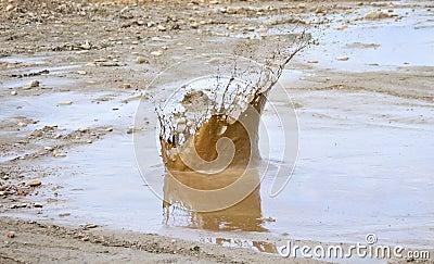 Grande éclaboussure de boue