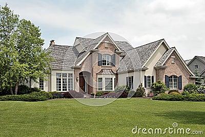 grande maison de luxe de brique photos libres de droits image 9667118 On grande maison de luxe