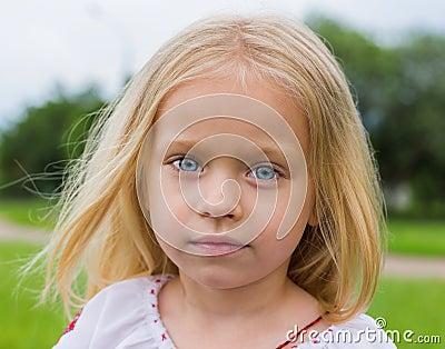 Grande retrato da menina ucraniana