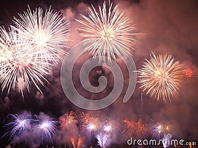 Grandes fuegos artificiales