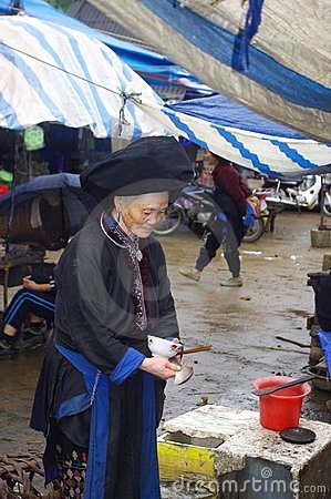 Grandmother Black Dao in market of Sin Ho