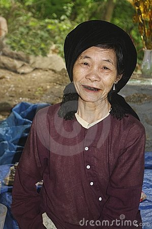 Grandmother Kinh