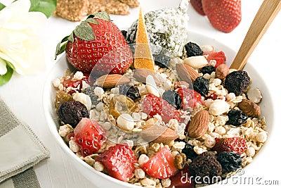 Granola y frutas