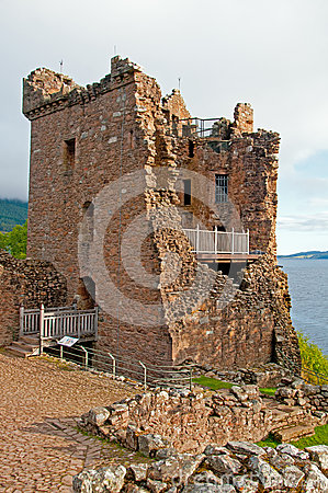 Grant Hall на замоке Urqhart.
