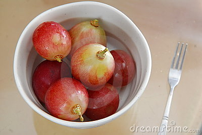 Grape in bowl