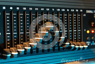 Graphic sound equalizer