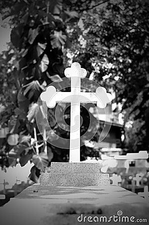 Grave alone