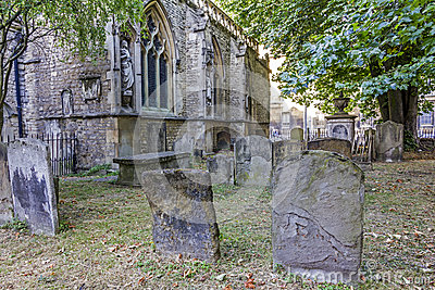 Graveyard at St Mary Magdelene Church, Oxford Editorial Photo