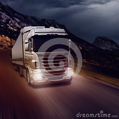 Free Gray Truck On Highway Royalty Free Stock Photography - 44260977