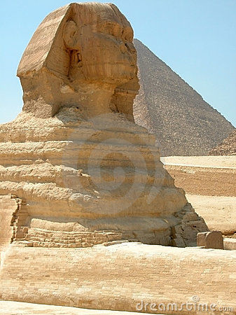 Great Sphinx and Khufu Pyramid, Giza, Egypt