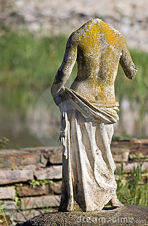 Greek archaic statue found at Dion site