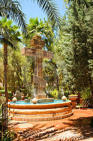 Free Greek Orthodox Cross Fountain Royalty Free Stock Photos - 16947358