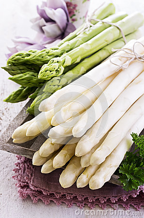 Free Green And White Asparagus Stock Images - 38903624