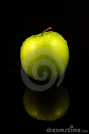 Green Apple Royalty Free Stock Images - Image: 15756929