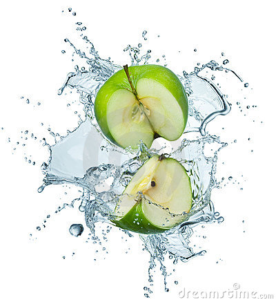 Free Green Apple In Water Royalty Free Stock Photos - 13085708