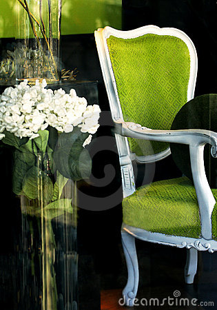 Free Green Chair In Store Window Royalty Free Stock Photo - 2031765
