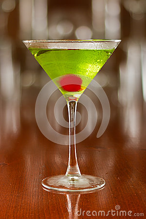 Free Green Cocktail Royalty Free Stock Photography - 30587127
