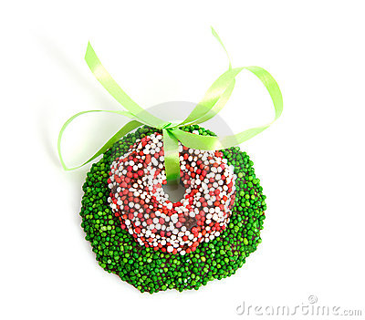 Green and colored speckled christmas candy wreath