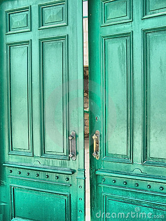 Green door   (HDR)
