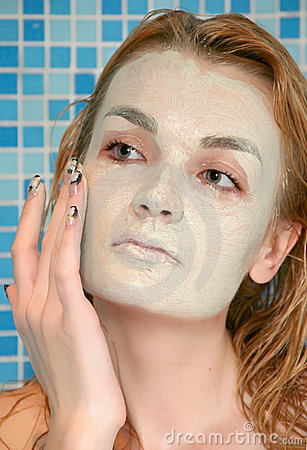 Green face pack in shower