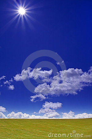 Free Green Field And Sun Stock Image - 2678261