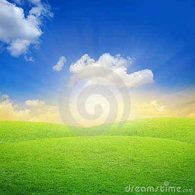 Free Green Field With Blue Sky Stock Photo - 15921170