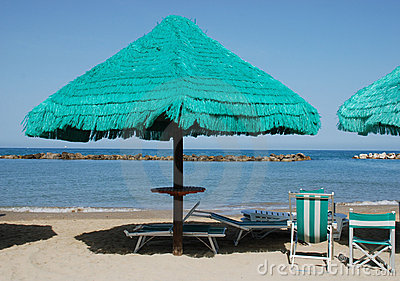 Green Fringed Beach Umbrella