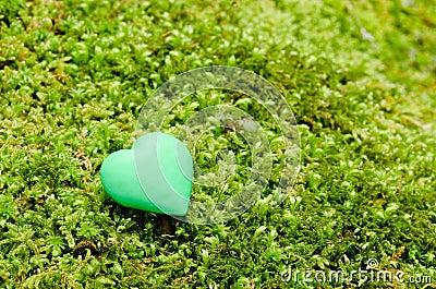 Green heart object