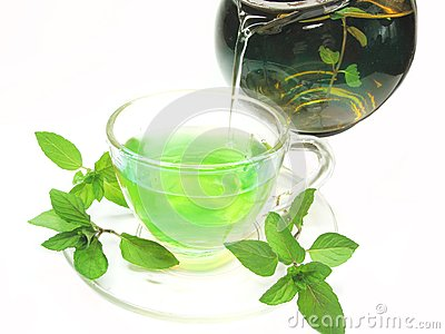 Green herbal tea with fresh mint
