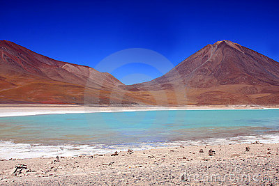Green laguna and licancabur volcano in bolivia