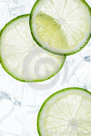 Free Green Lime Slices On The Ice Cubes Stock Image - 58561671