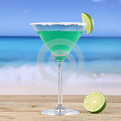 Free Green Martini Cocktail Drink On The Beach Royalty Free Stock Photo - 42737855