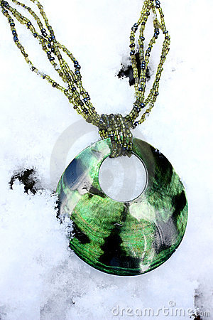 Free Green Necklace In The Snow Royalty Free Stock Images - 12604599